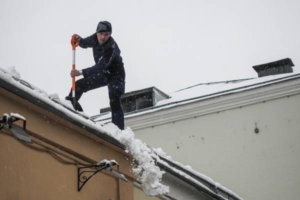 Штрафы за плохую очистку крыш от снега и наледи увеличили в Москве в 10 раз