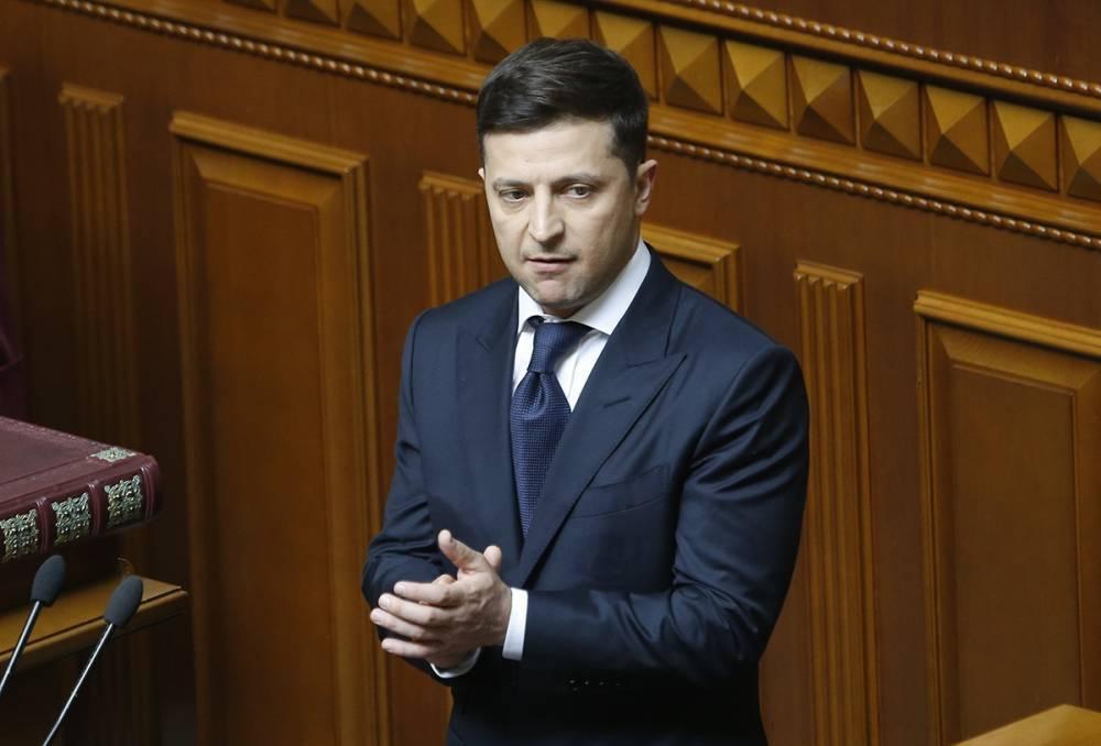 Зеленский загнал себя в тупик: президент либо проявит слабость, либо останется без рычагов давления в Раде