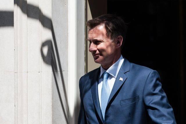 СМИ: глава МИД Британии подтвердил намерение бороться за кресло премьера