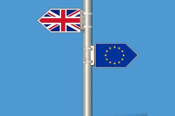 Глава МИД Британии: необходимо заключить новую сделку по Brexit