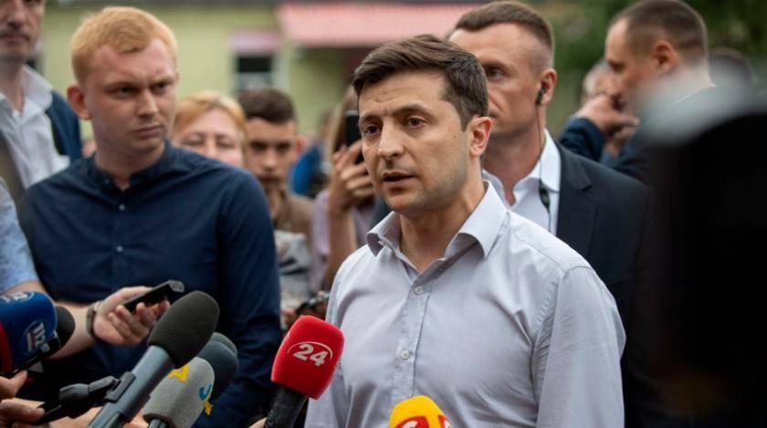 Зеленский решил уволить глав МИД и Минобороны