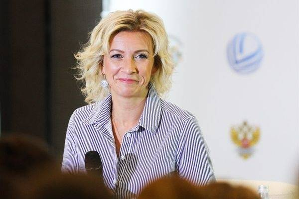 Захарова посмеялась над объяснениями об исчезнувших в СНБО серверах