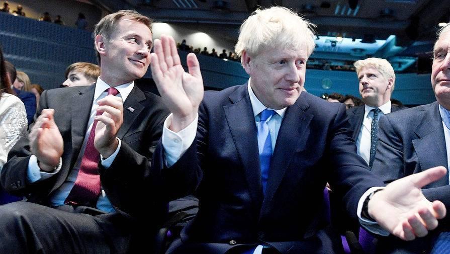 Великобритания снова ужесточила меры по коронавирусу