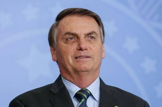 Путин отметил мужественность президента Бразилии, переболевшего COVID-19
