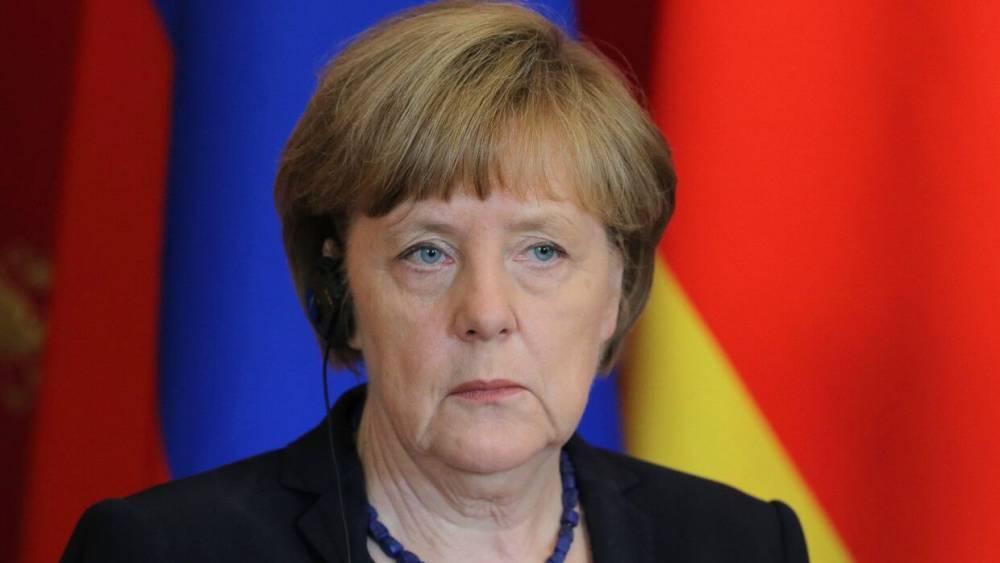 Меркель сочла нарушением прав блокировку Трампа в соцсетях