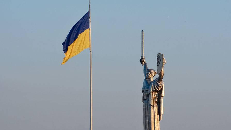 В Киеве радикалы штурмуют офис генпрокурора
