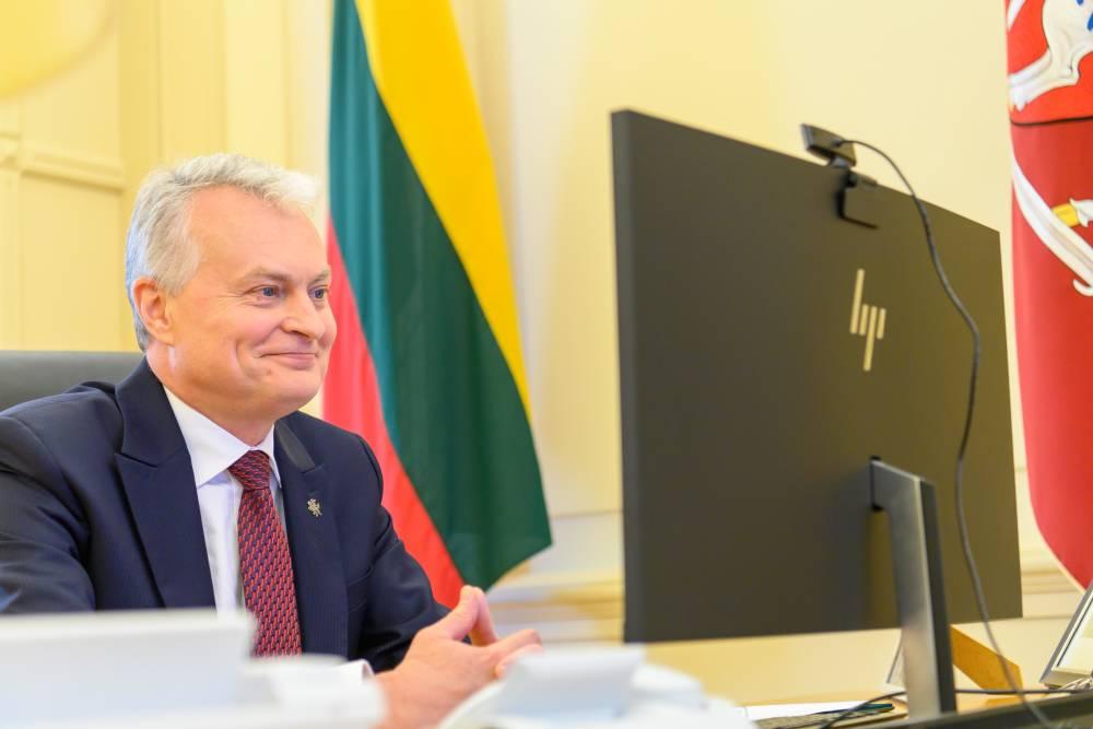 Президент Литвы поздравил всех жителей России с Днём России