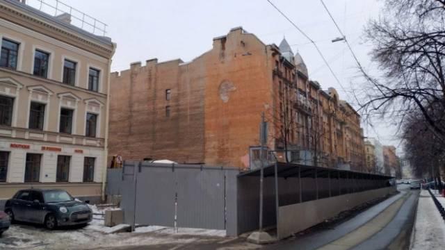 Депутаты ЗакСа обратились к Беглову из-за трещин на доме Чубакова