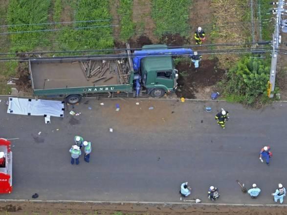 Наезд грузовика на школьников в Японии: возросло число жертв, водитель признался, что был нетрезв