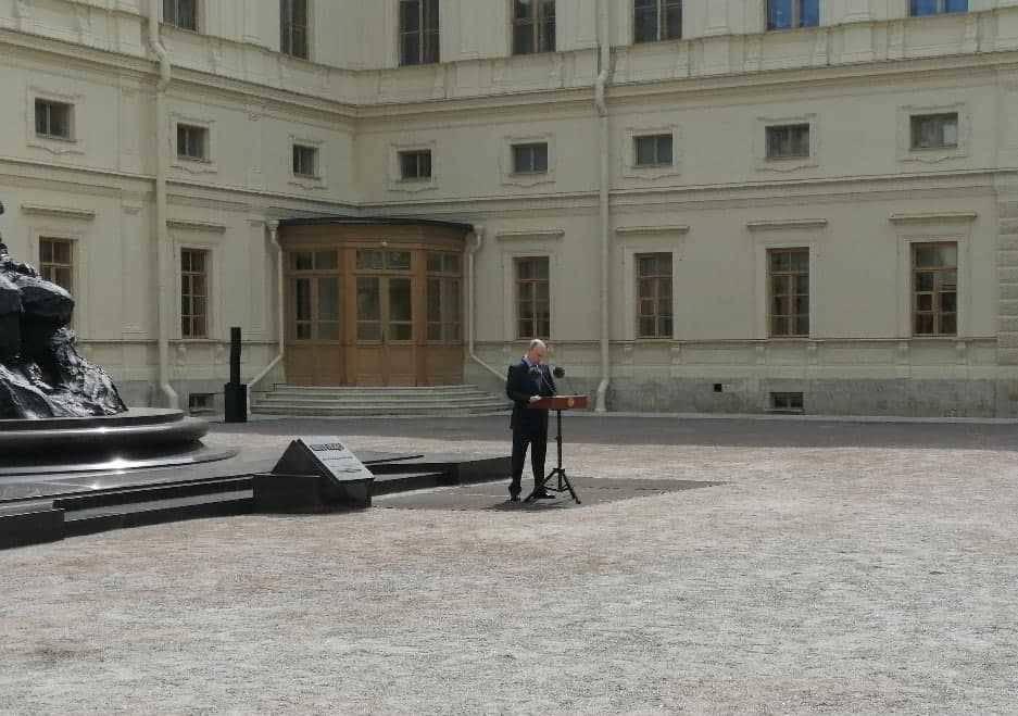 Владимир Путин посетил открытие памятника Александру III в Гатчине