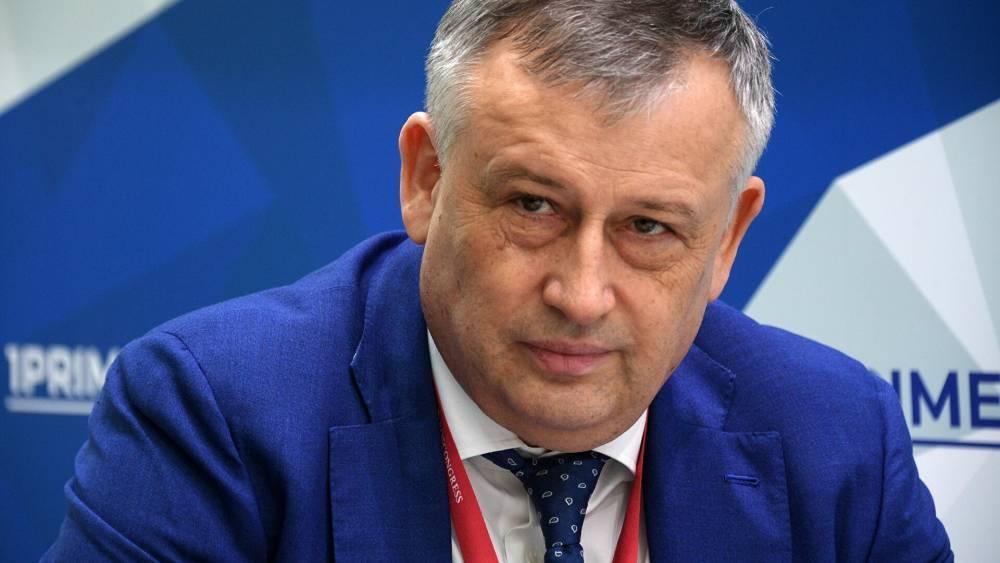 Александр Дрозденко поздравил с Днем русского языка