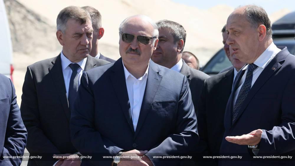 Стоит ли Лукашенко опасаться подвоха от Путина?