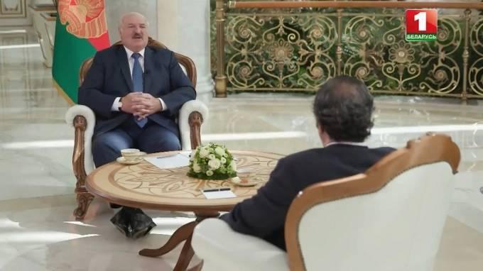 Лукашенко рассказал о переговорах с Путиным по ценам на углеводороды