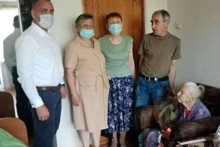 Жительница Смоленска отметила свой 100-летний юбилей