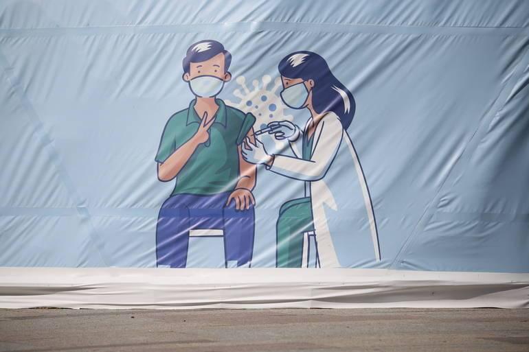 Петербургский диетолог рассказал, для кого вакцина от коронавирус может быть неэффективна