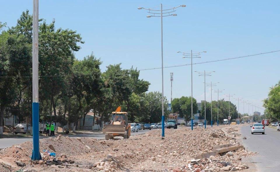 В Узбекистане запустят мобильное приложение для контроля денег, потраченных на строительство и ремонт дорог. Также здесь можно будет жаловаться на ямы