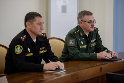 Мэр Южно-Сахалинска встретился с военным прокурором ВВО