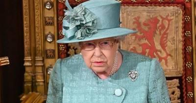 Елизавета II отменила приемы в Букингемском дворце из-за коронавируса