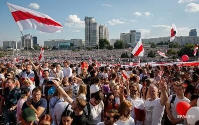 Силовики в Минске намерены стрелять в протестующих из боевого оружия