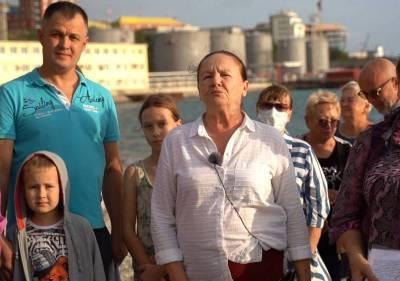 Жители Новороссийска просят Владимира Путина спасти пляж от захвата олигархов
