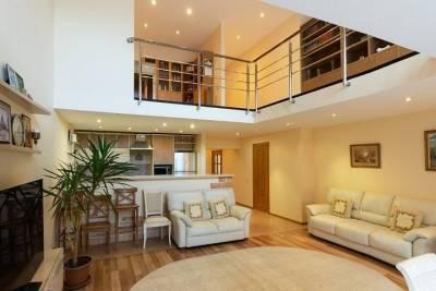 Прокурорам покупают двухуровневую квартиру в центре Новосибирска за 10,7 млн