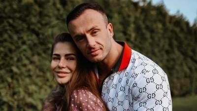 Бывший муж известной блогерши Стужук умер после заражения коронавирусом