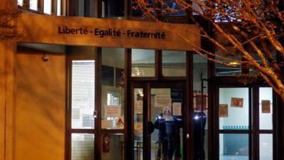 AFP: четыре человека задержаны по делу об убийстве учителя во Франции