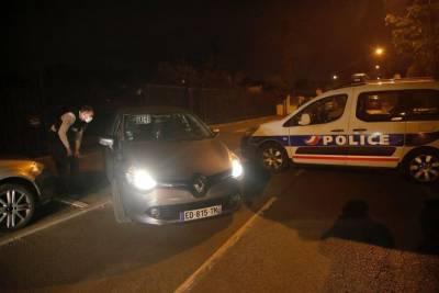 Четыре человека задержаны по делу об убийстве преподавателя в Париже – СМИ