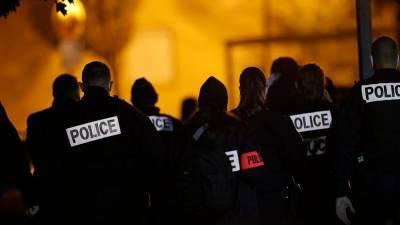Четыре человека взяты под стражу после жестокого убийства учителя под Парижем