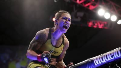 Андраде победила Чукагян на турнире UFC Fight Night
