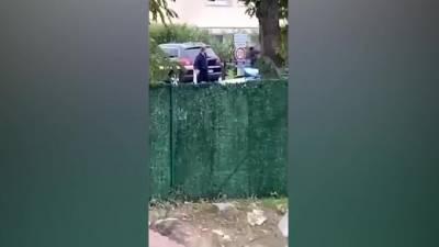 На видео попал момент убийства обезглавившего учителя во Франции чеченца