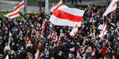 В Беларуси силовики стреляли в воздух и задержали почти 100 участников Партизанского марша — видео