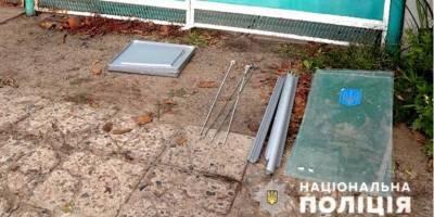 В Запорожской области подросток украл урну для голосования, чтобы сделать инкубатор для улиток