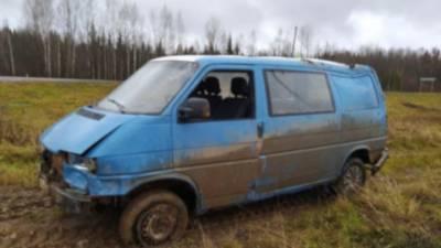 В Кировской области 16-летняя девушка погибла, управляя фургоном