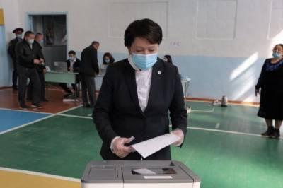 В парламент Киргизии прошли пять партий: ЦИК продолжает считать
