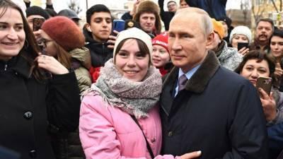 Харизматичный и открытый: профайлер объяснил «феномен Путина»