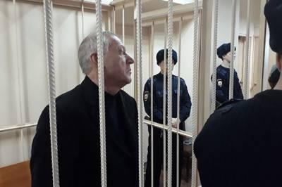 Обвиняемый в получении взятки экс-мэр Челябинска признал вину
