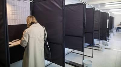 Подкуп избирателей и фото бюллетеней - наблюдатели фиксируют нарушения на выборах в Литве