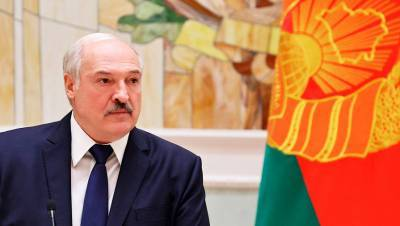 Лукашенко назвал коронавирус ширмой, за которой пытаются переделить мир