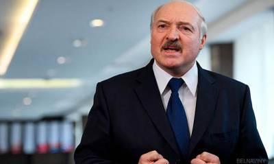 Лукашенко назвал украинские санкции «позорными подвякиваниями»