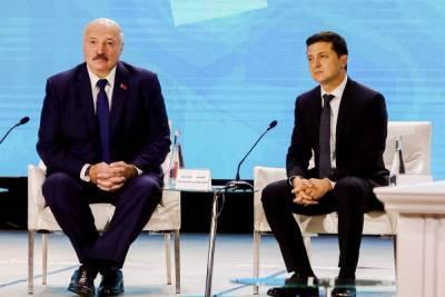 """Лукашенко ответил Зеленскому на непризнание: """"Грубо скажу, Володе надо сейчас опасаться"""""""