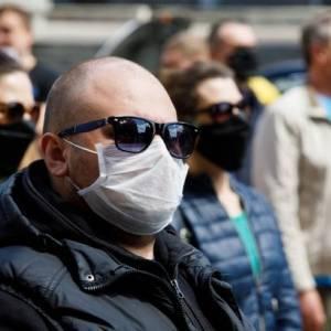 В Украине выявили почти 12,5 тысяч новых случаев коронавируса