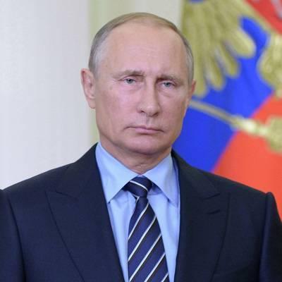 Путин отметил непростую ситуацию в стране из-за распространения коронавируса