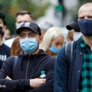В Украине за сутки выявили почти 14 тыс. новых случаев коронавируса