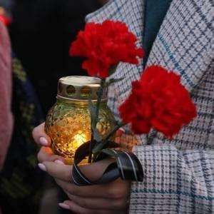 В Запорожье почтили память жертв Голодоморов. Фото