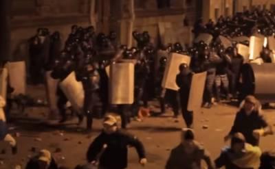 """""""Били всех, кто попадал под руку"""": семь лет назад """"Беркут"""" разогнал украинцев на Евромайдане, видео"""