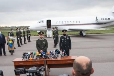 Аваков проинформировал НАПК, что лично заплатил свыше 836 тысяч гривен за самолет, на котором привезли Маркива