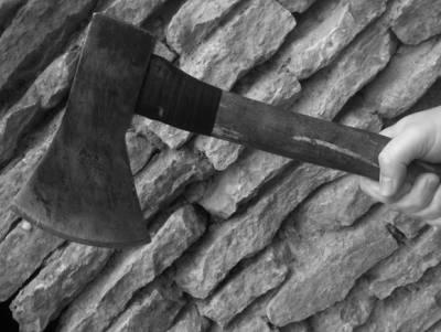Зарубил офицера топором: раскрыты жуткие детали нападения срочника в Воронеже