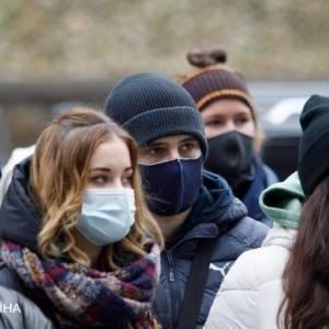 За сутки в Украине выявили почти 12,5 тысяч случаев коронавируса