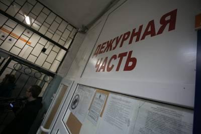 В Петербурге задержан мужчина, разбросавший цветы у мемориала узникам концлагерей
